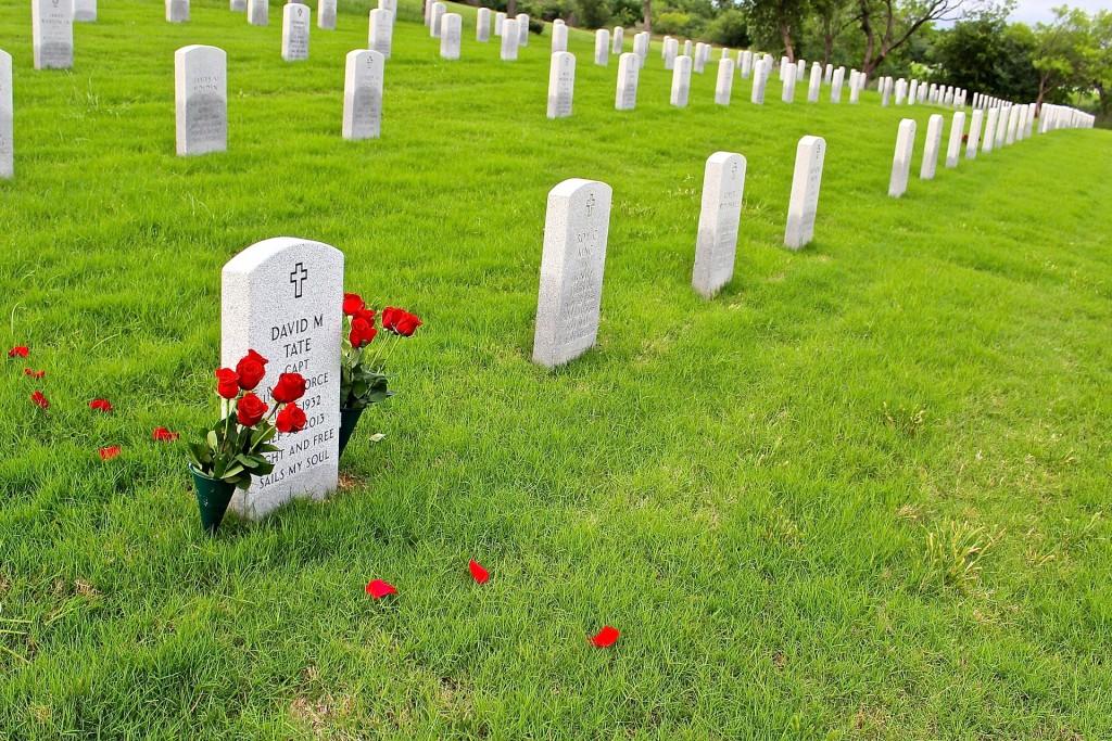 墓石にどんなメッセージを入れたいですか?