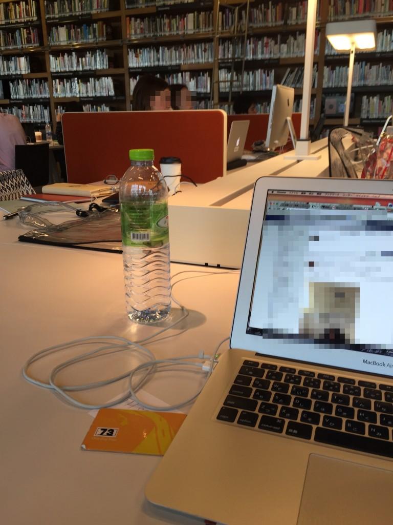 バンコクのコワーキング2B cafe at TCDCは無料WiFiが超高速