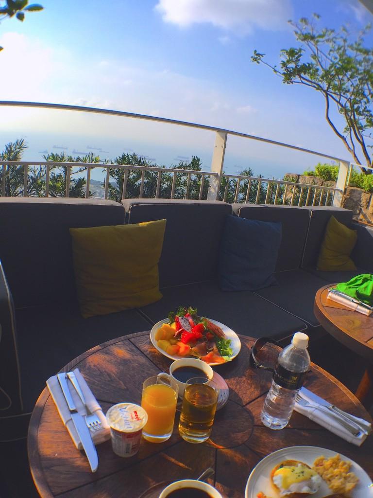 マリーナ・ベイ・サンズでクラブルームに宿泊すると57Fレストランの朝食は無料