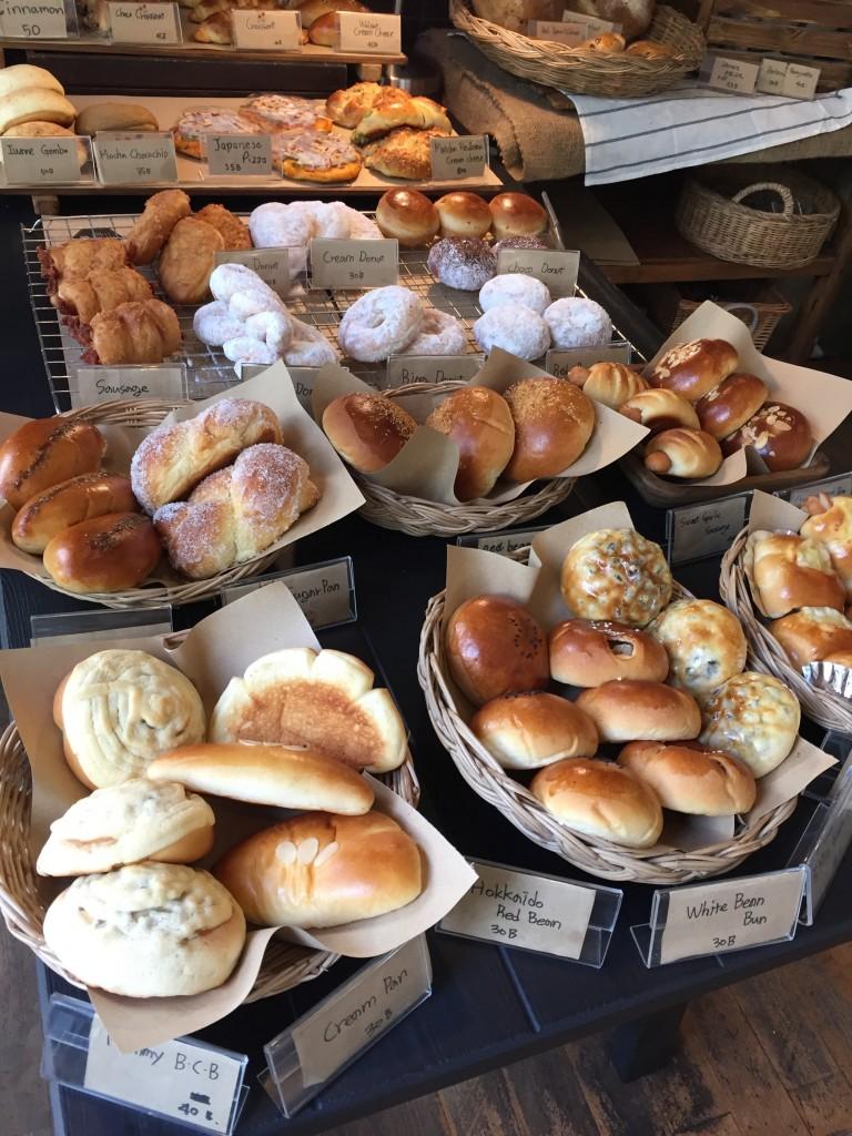 バンコクのアソーク駅からSoi23沿いにあるIWANE1975はパンがおいしくて有名