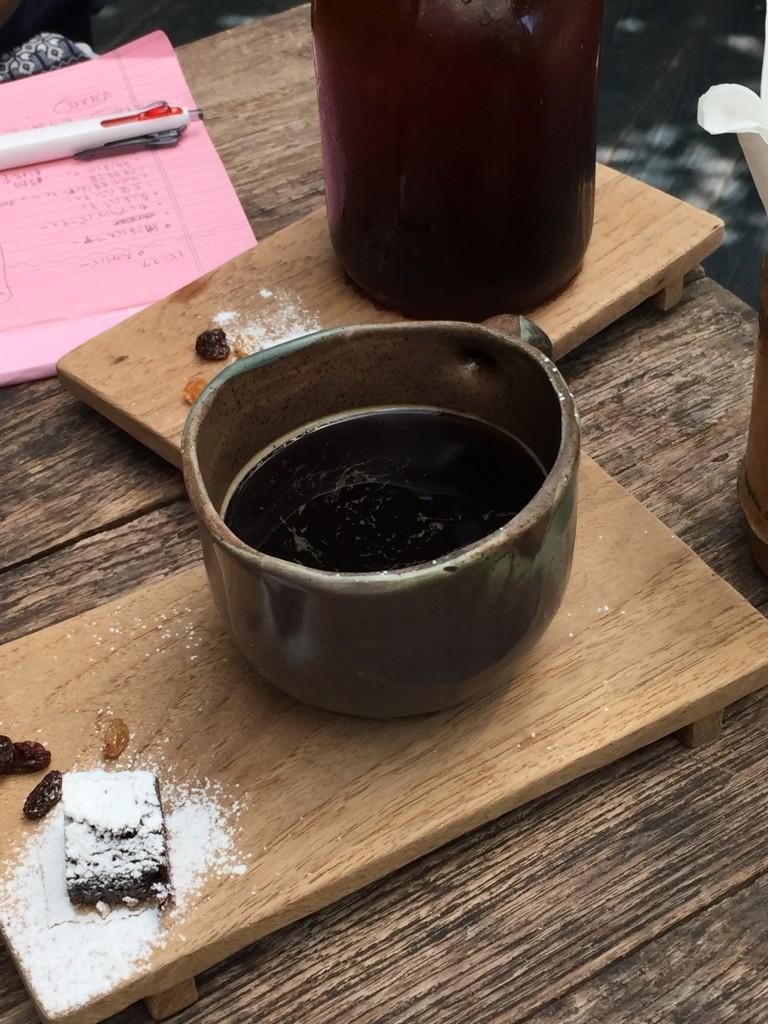 バンコクのアソーク駅からSoi23沿いにあるIWANE1975は普通のコーヒーでもお洒落でおいしい