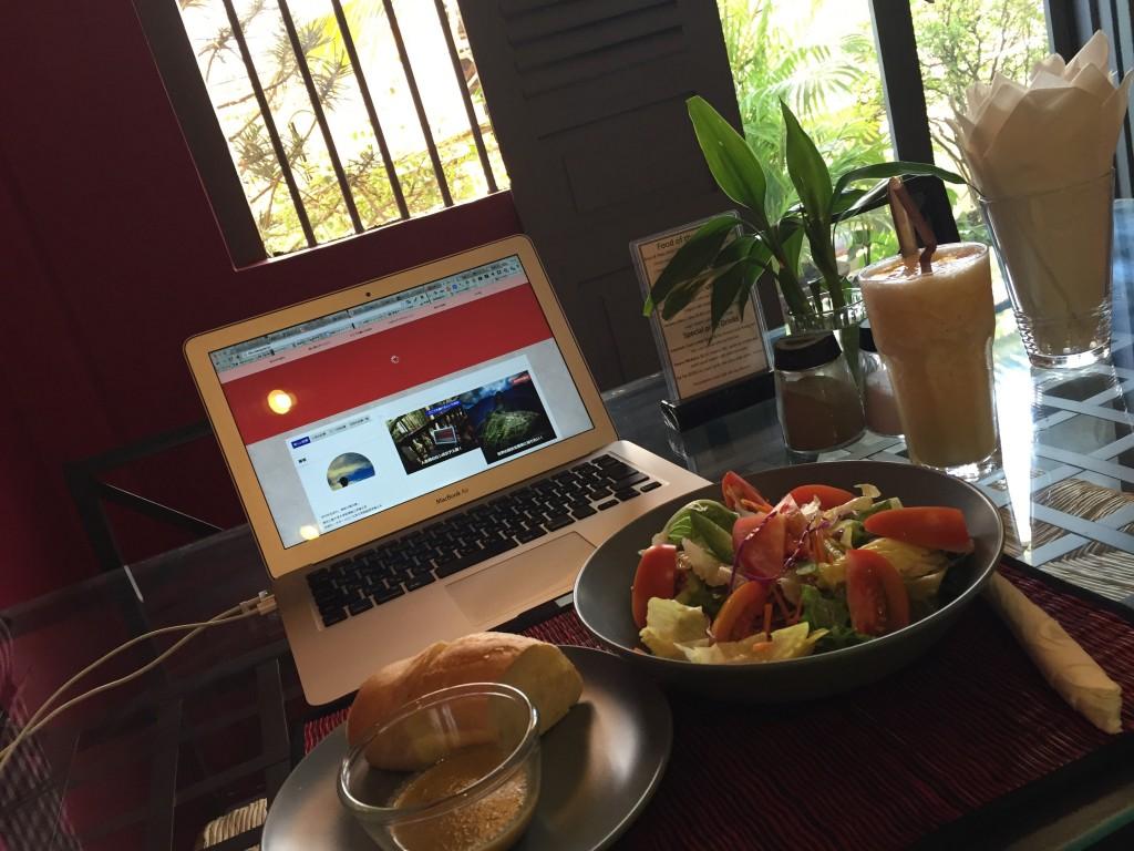 シェムリアップのオススメ無料WiFiカフェ「Joe to Go」は生野菜がおいしい