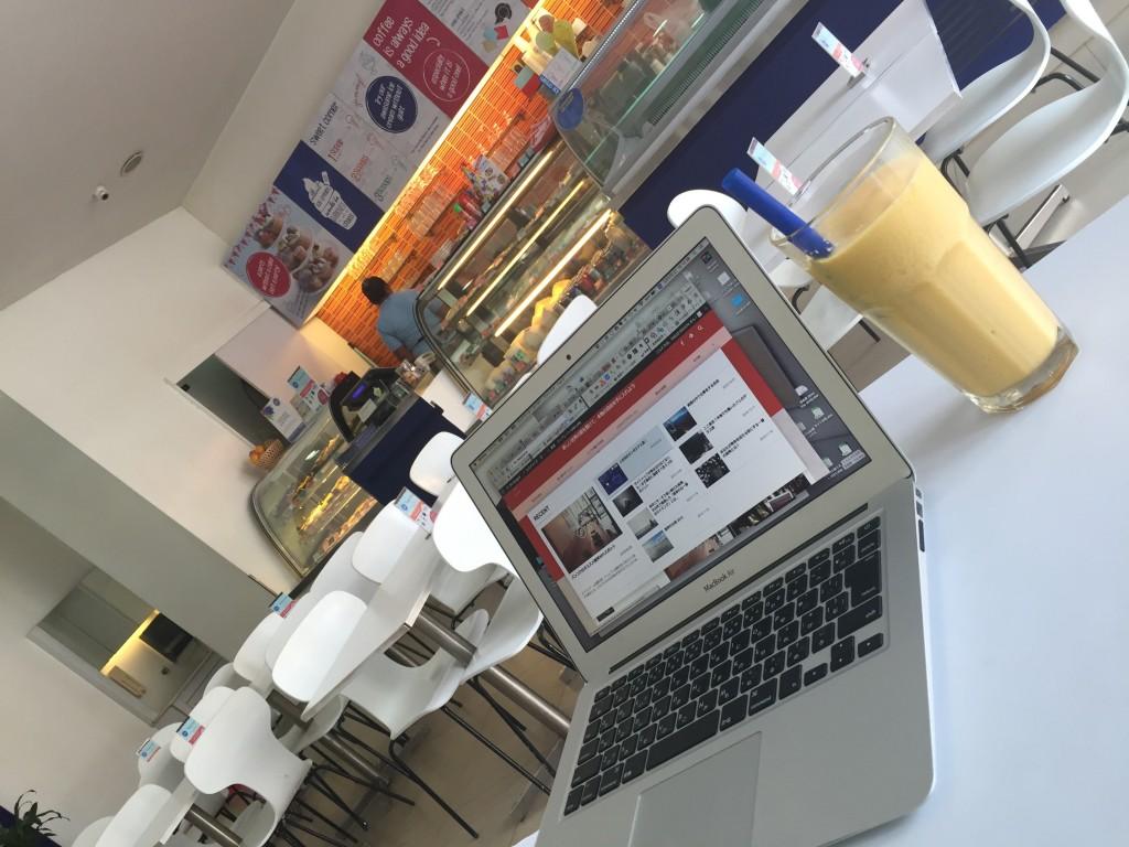 シェムリアップのオススメ無料WiFiスポット第3位 Blue Pumpkin(sivatha street店)はパンもドリンクもおいしい