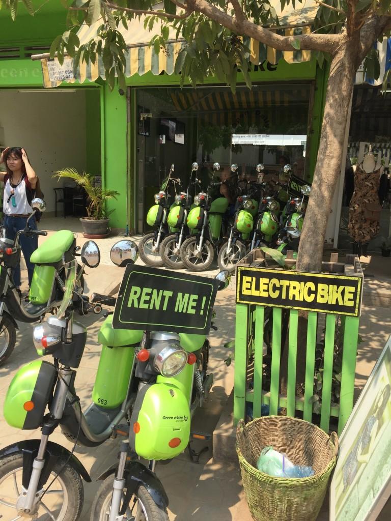 シェムリアップで電動バイクをレンタル