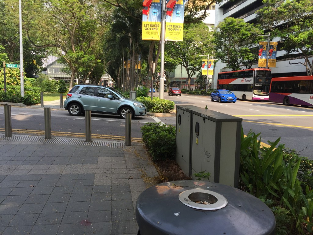 シンガポールでは街中に喫煙スペースはほとんどない