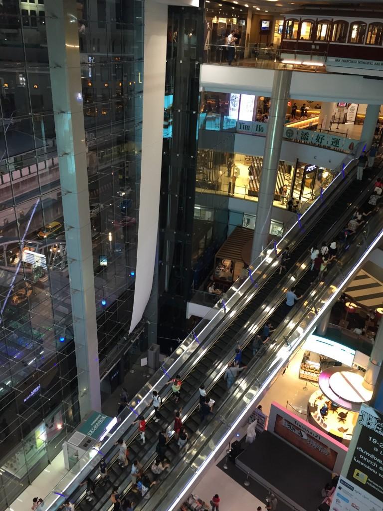 バンコクのアソーク地区Terminal21の無料WiFi