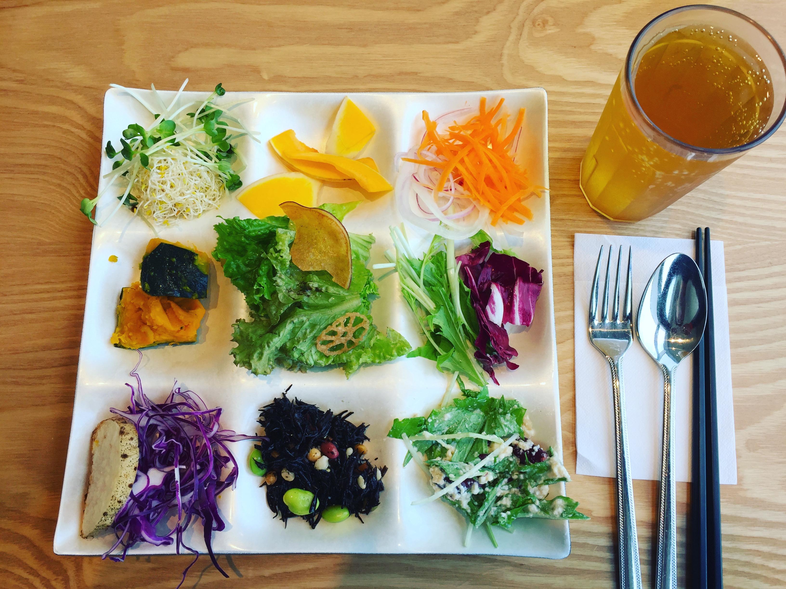 生野菜を中心