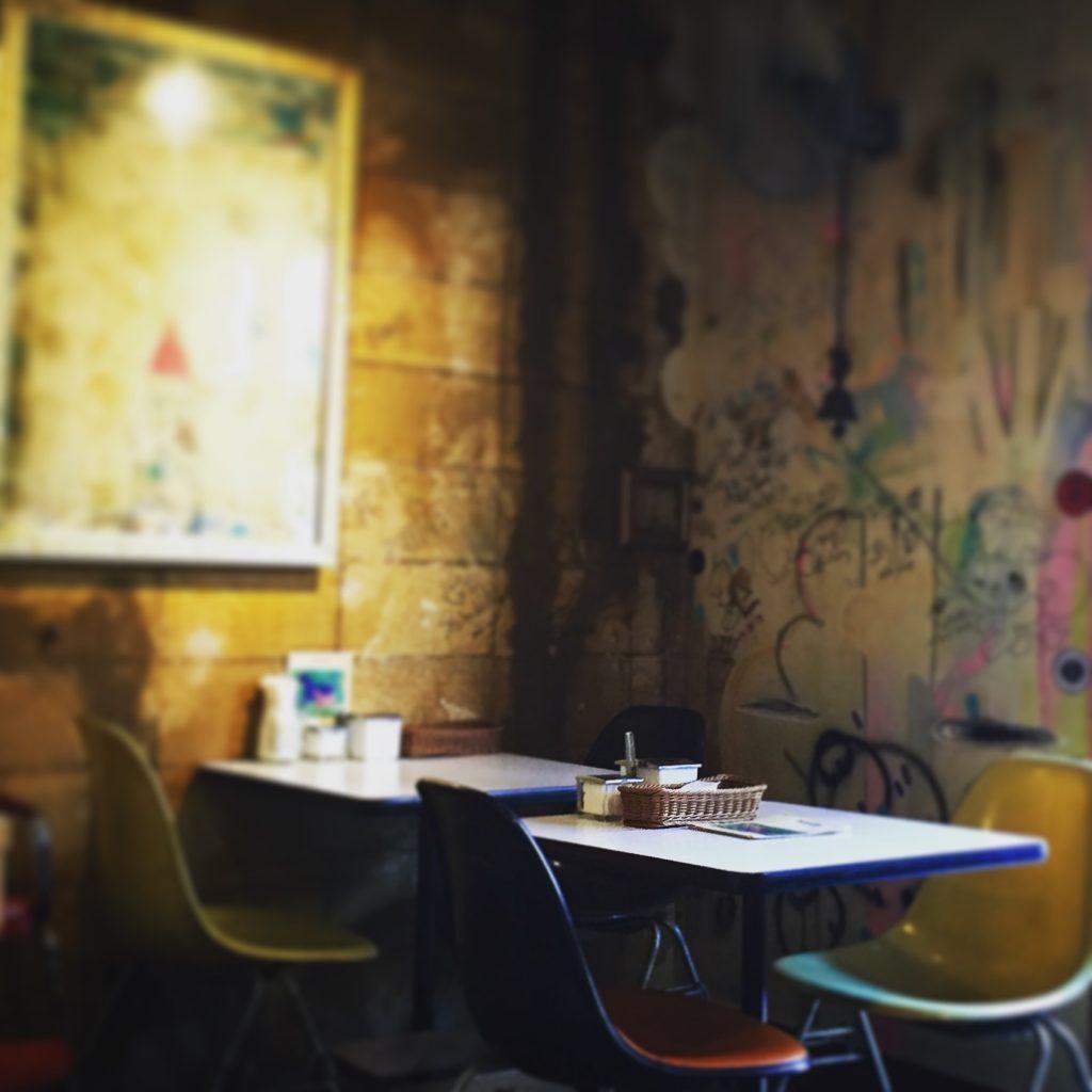 【柏グルメ】ランチ上位店「カレーの店 ボンベイ本店」に挑戦!雰囲気があってレトロなお店