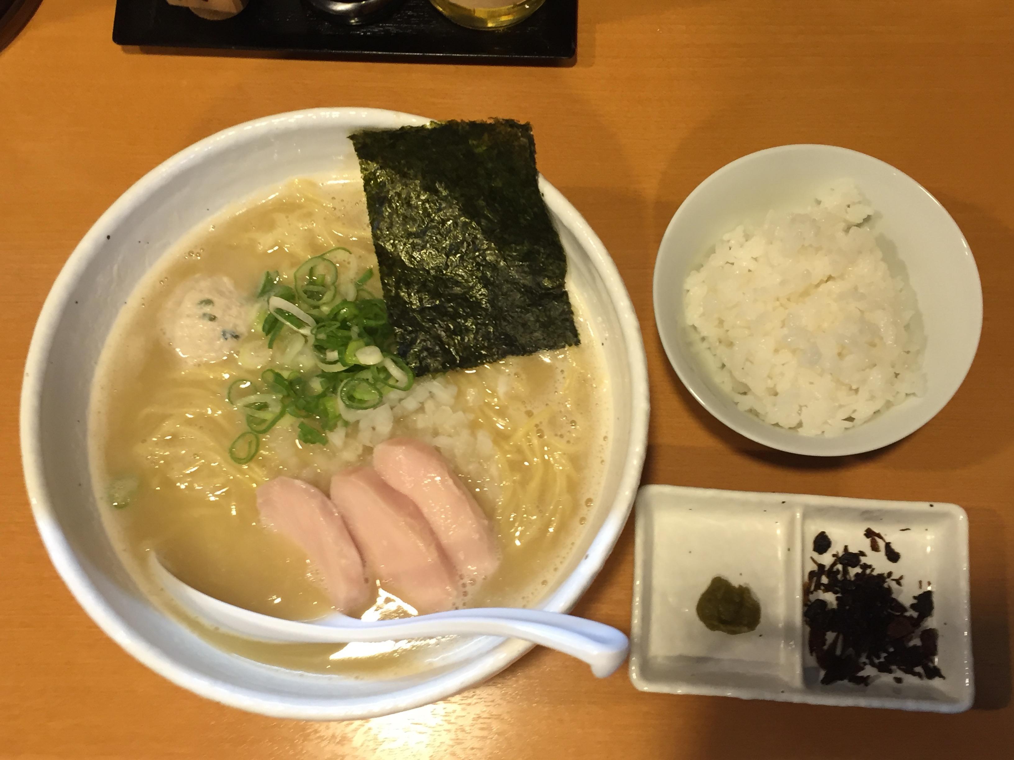 【亀有】食べ飽きない亀有グルメ「らーめん銀杏」の鶏そば塩がおいしすぎる!