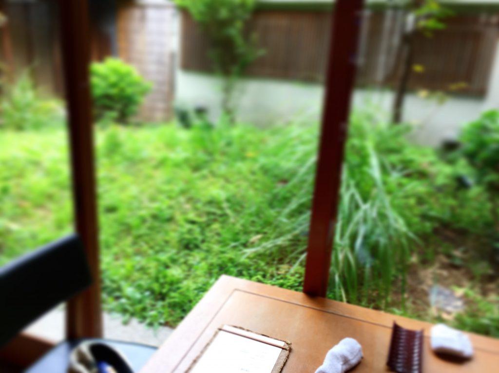 赤坂の宵の口ランチタイムは庭側席がオススメ