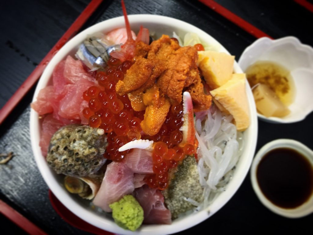 【北千住】居酒屋風ご飯でグルメランチ!徳田屋食堂の海鮮丼✨