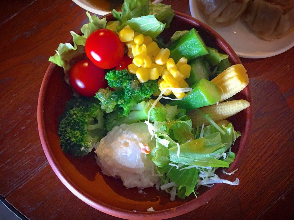 【北千住】野菜食べ放題なのにコスパも最高✨REW-ENの火木限定ランチが凄い