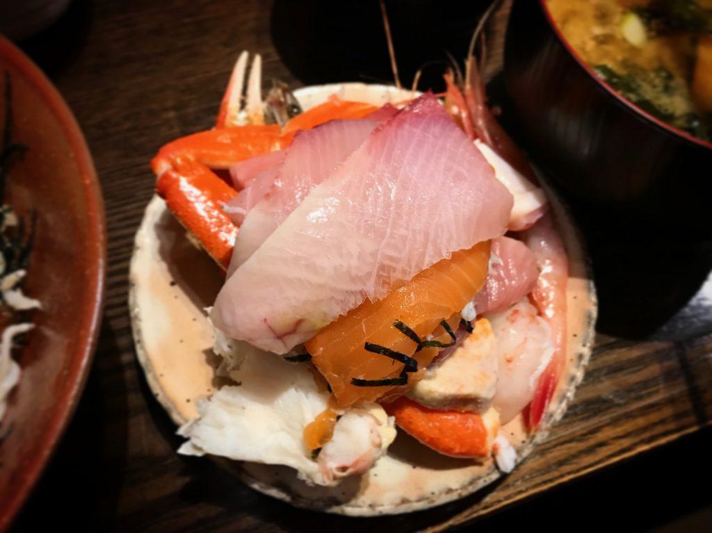 【北千住】さかなやの極上海鮮丼が都内最高峰の鮮度✨