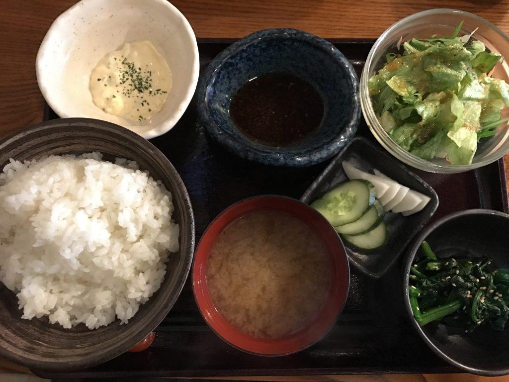 北千住「ここのつ」の「鶏の唐揚げWソース定食(780円)」が最高においしい!
