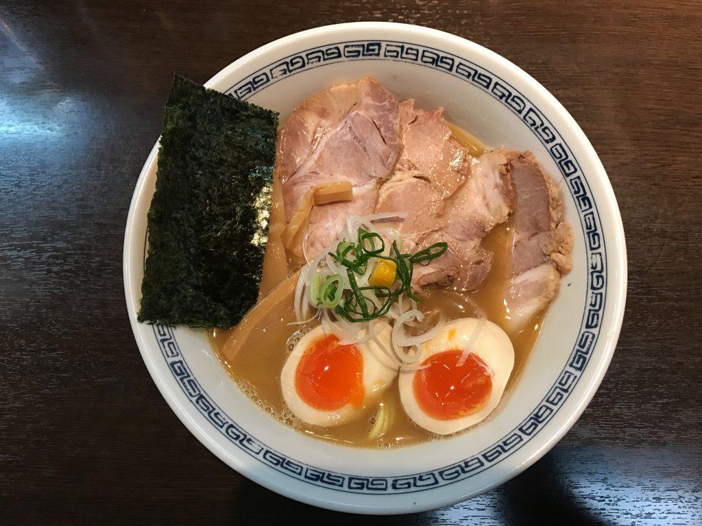 らーめんはやし(渋谷)の焼き豚らーめん(1,100円)のグルメレポート
