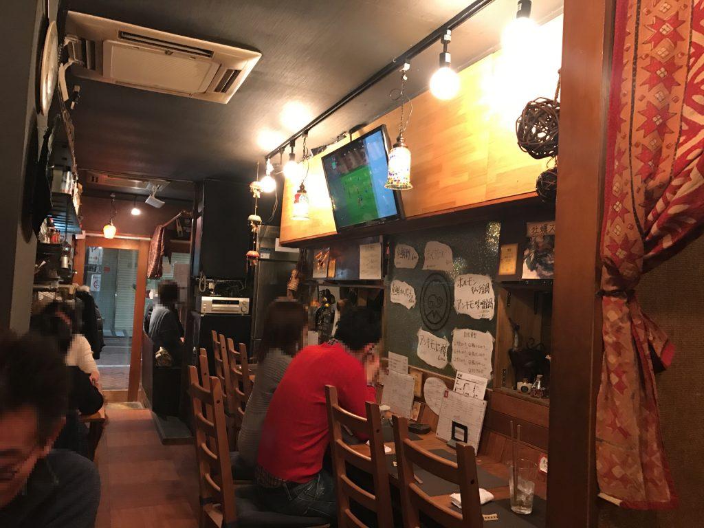 北千住の隠れ家✨自家燻製と世界のビールの店「雅」