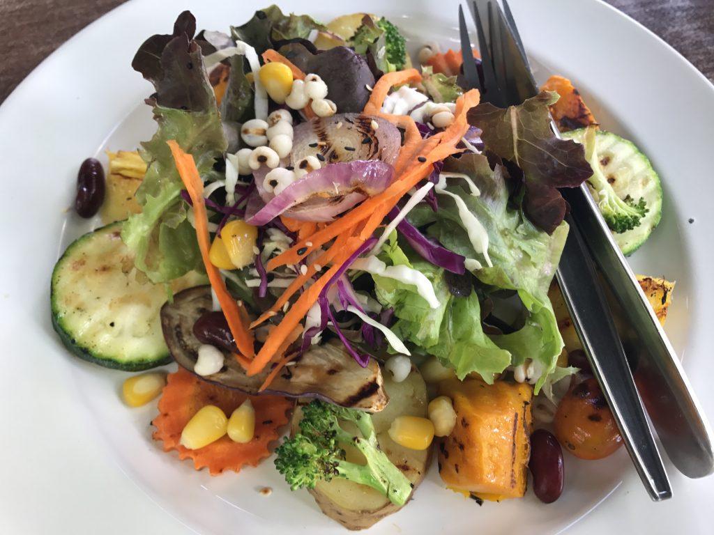"""お寺の中にある野菜レストラン """"PUN PUN vegetarian slow food"""""""
