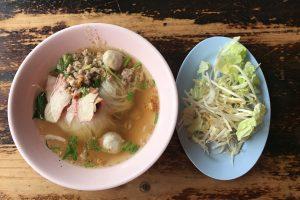 チェンマイのカオソーイ人気店「Khao Soi Mae Sai」はカオソーイ以外も◎