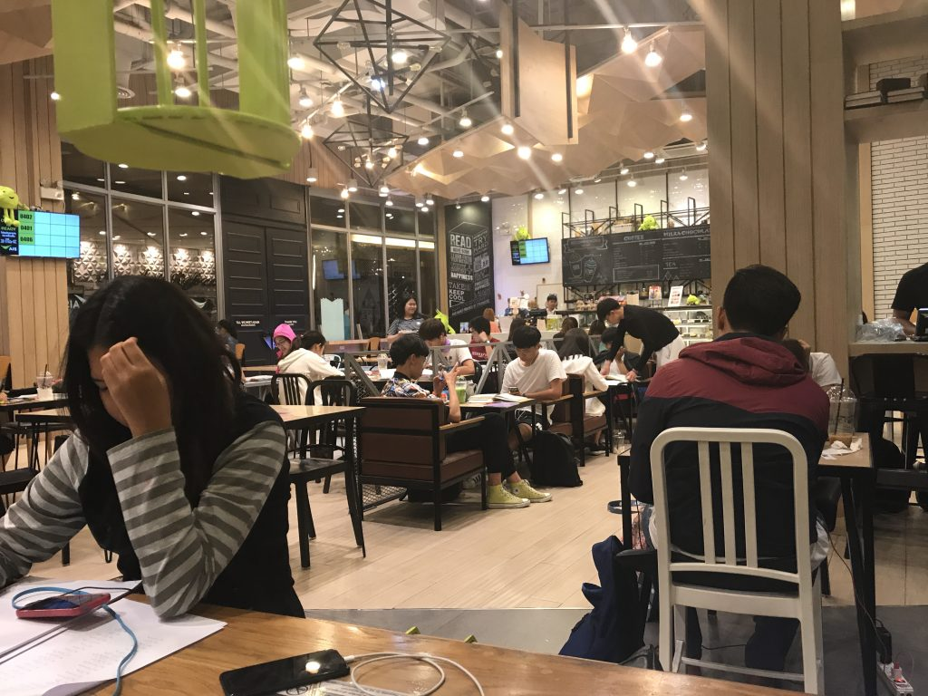 【チェンマイ】24時間営業のコワーキングCampは誰でも利用可能