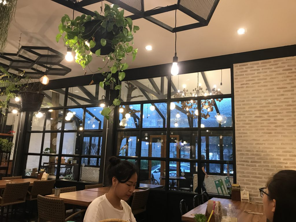 チェンマイの新鮮野菜のお店「サラダコンセプト」が大人気