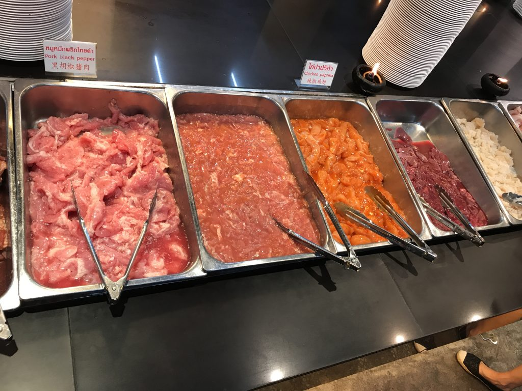 【チェンマイ】肉も野菜も食べ放題で159B!地元で大人気のP.P.Buffet行ってきた