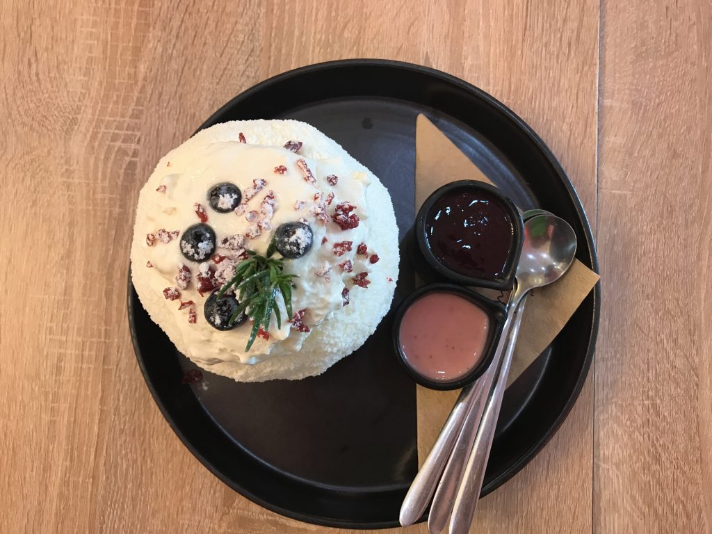 Wild Berry Velvet Cheese(235B)