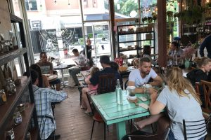 チェンマイで欧米人に大人気のカフェRustic and Blue