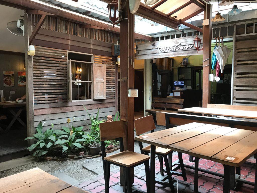 Cherng Doi Roast Chickenの店内