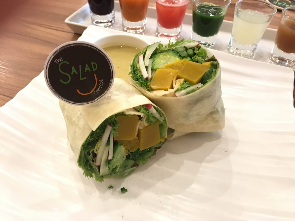 Wrap - Radish, Asparagus, Pumpkin, Japanese Cucumbers, Broccoli w/ Northern Style Green Chilli Dressing(300円)