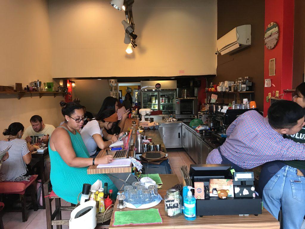 The Larder Cafe & Barの店内