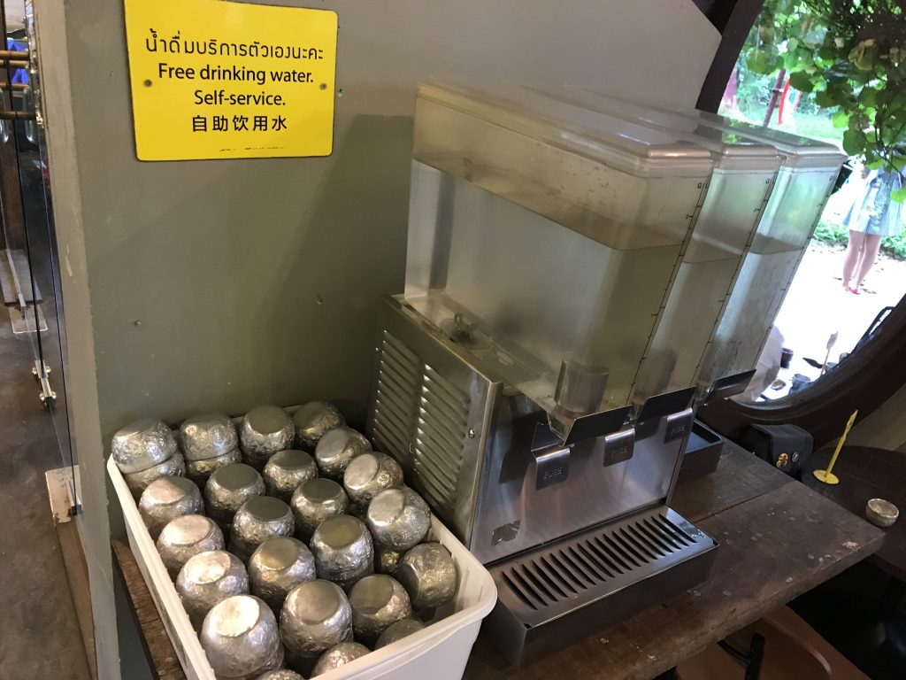 The Larder Cafe & Barの店内