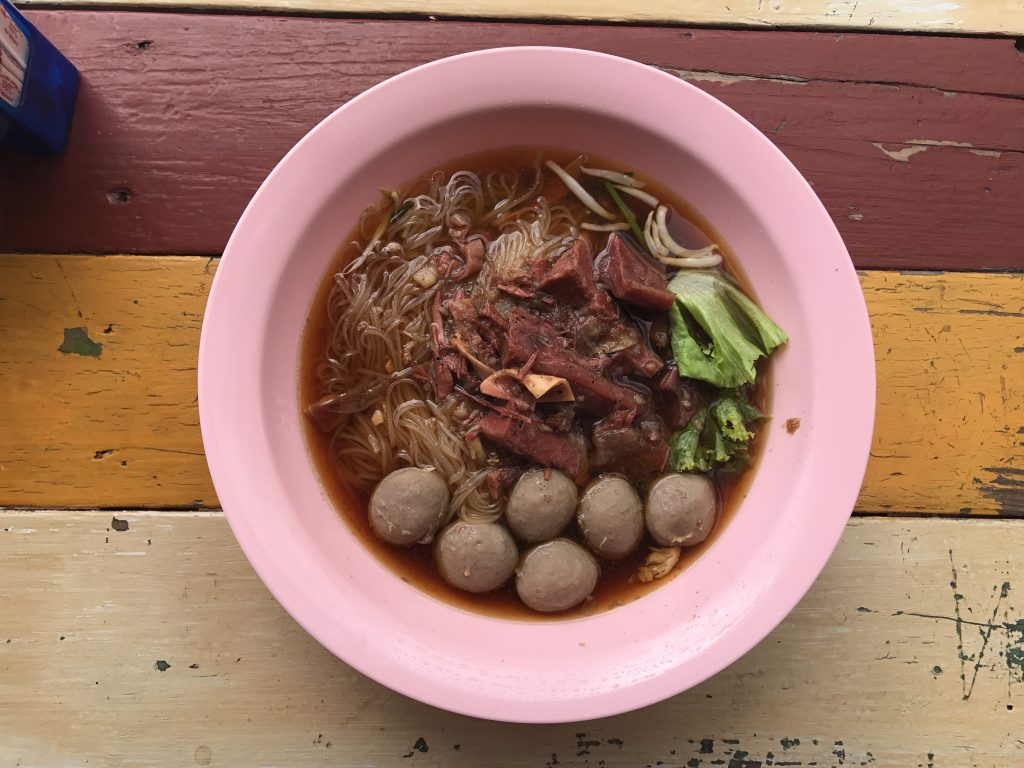 クイッティアオ(beef ball + stewed beef)630円/180B