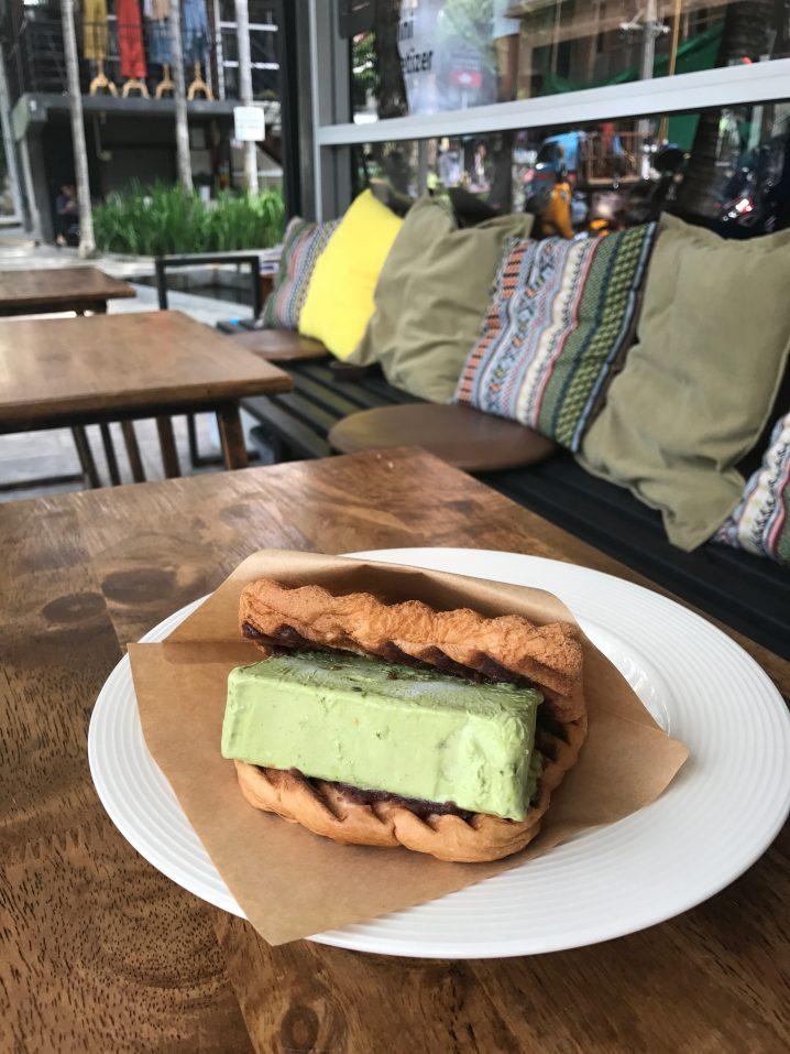 【チェンマイ】絶品アイスクリームサンド食べるならここ
