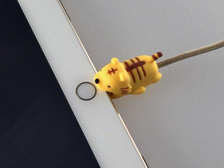 【ケーブルバイト徹底レビュー】ゆる〜い動物がガブッとケーブルをガード
