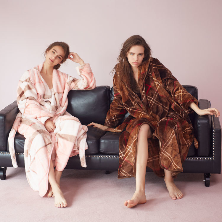 【嘘みたいな本当の話】着る毛布「Groony」とモコモコシューズがあれば冬でも暖房なしで全然余裕!