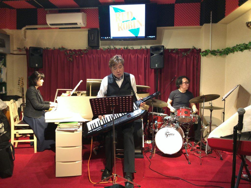 ピアノバーRED ROBINの店内