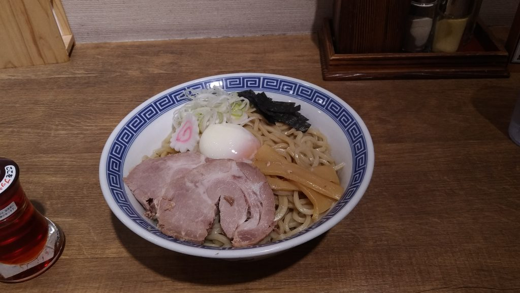 舎鈴 丸の内店の豚玉油そば(690円)+中盛(100円)