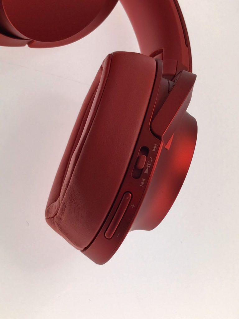 ポイント②:耳がすっぽり覆われるので快適・高音質!