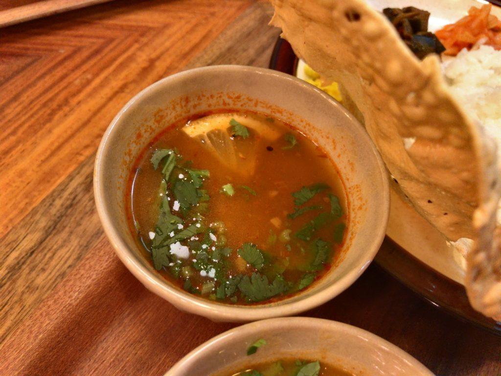 ラッサム(カレーベースのスープ)