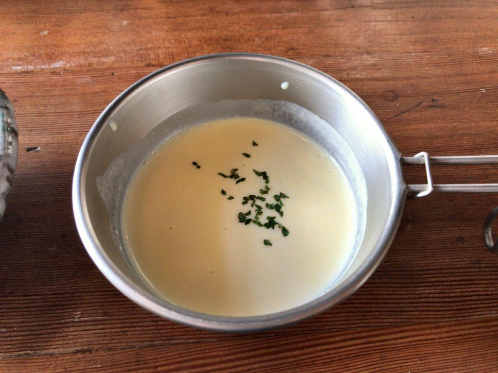 STOVEの黒豚ハンバーグ定食のセットスープ