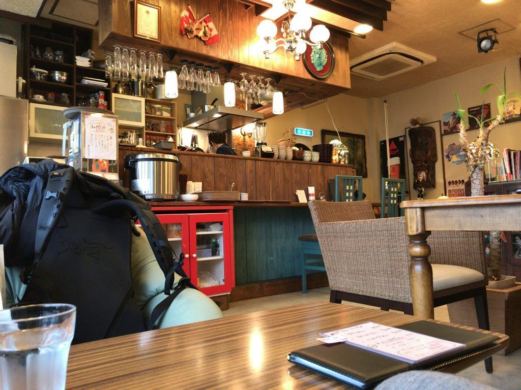 コーヒーローの店内