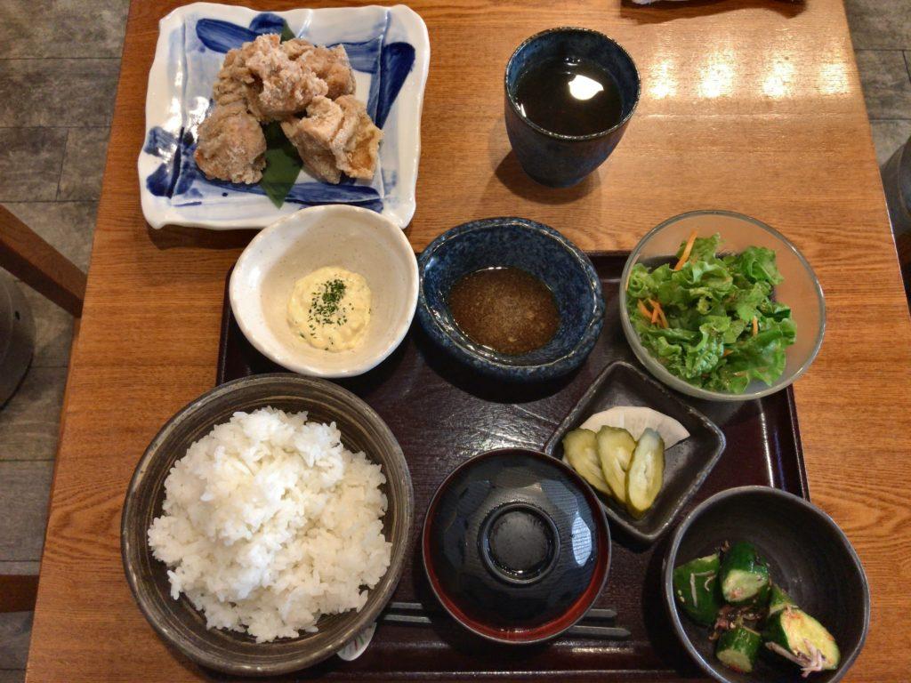ここのつの鶏のから揚げWソース定食(780円)ご飯大盛り無料