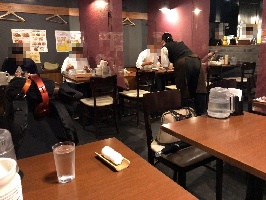 唐朝刀削麺 赤坂見附店の店内