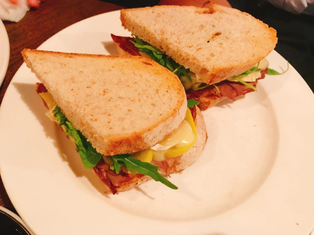 RONINのサンドイッチ(DIRTY RONIN)1,200円