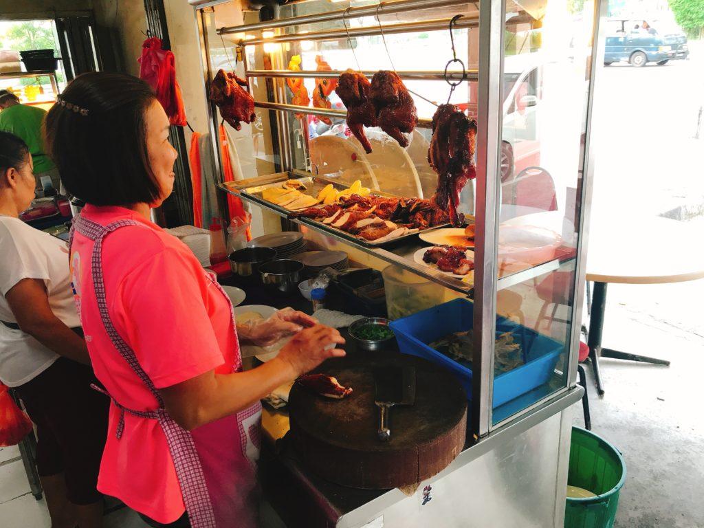 ジョホールバルの街の食堂「Restoran Beeken Yen」が安くて美味しい✨