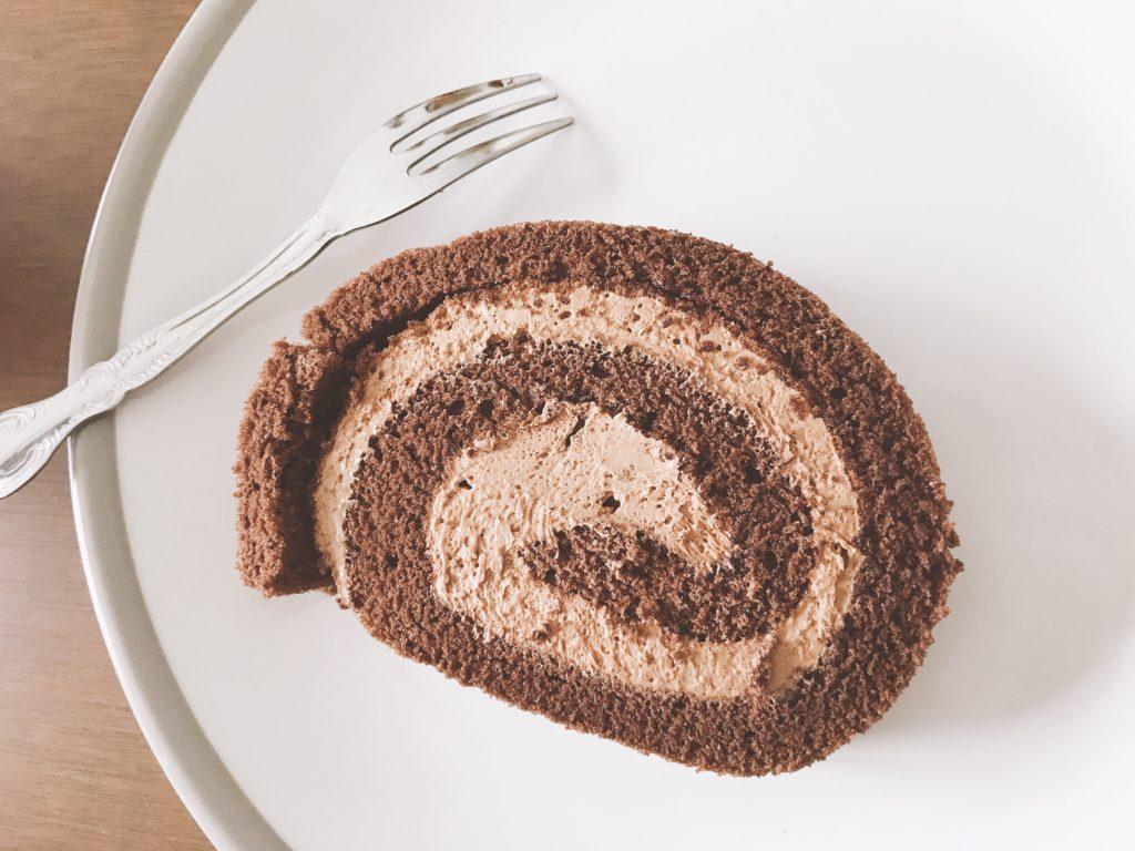 LAVENDERのチョコレートロールケーキ(500円くらい)