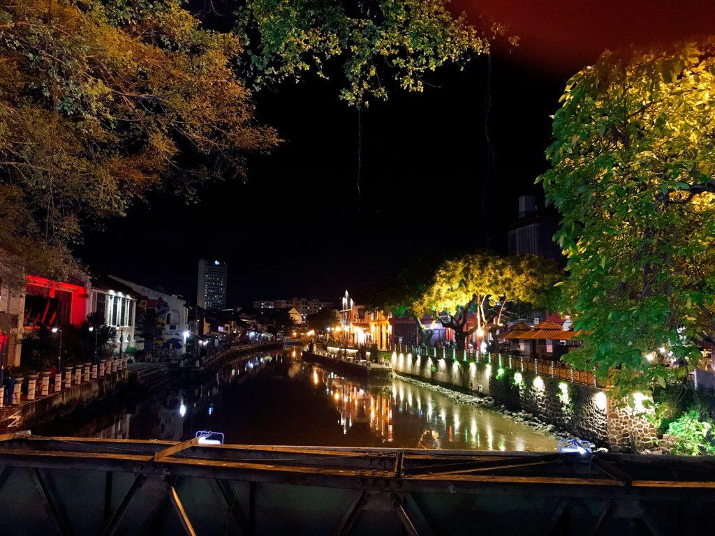 マラッカのジョンカーストリートの夜の賑わい