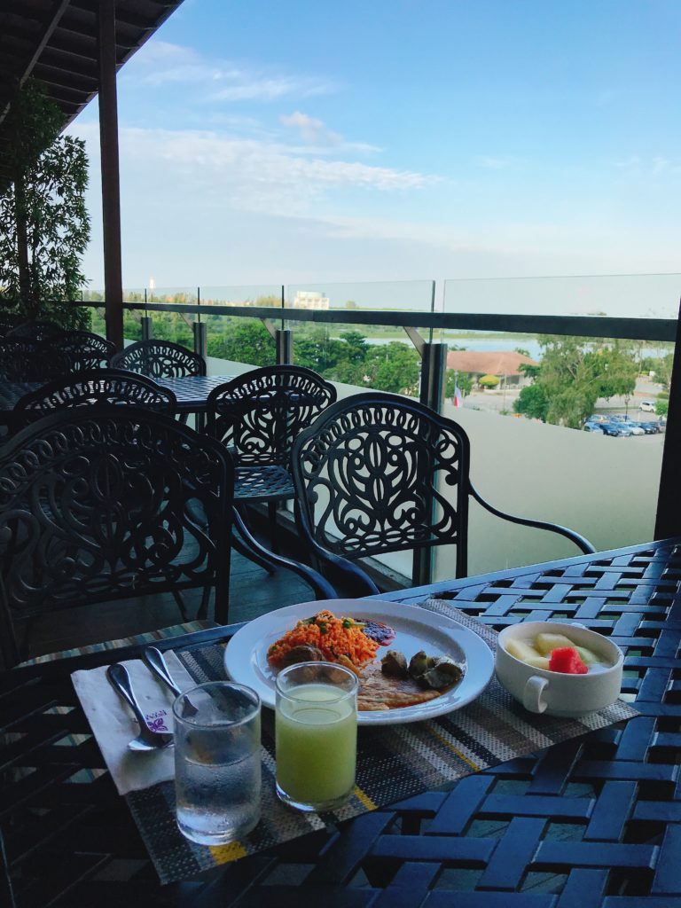 マラッカの3つ星ホテルEstadiaの朝食バイキング