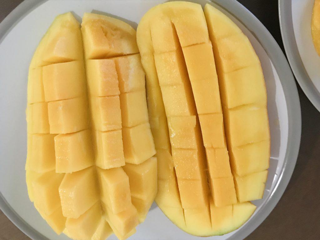 前回購入した1kg240円のマンゴー