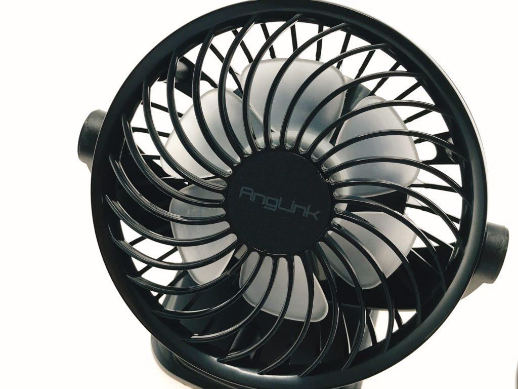 職場のデスクに欲しい!小型扇風機に求められる6つの条件とは?